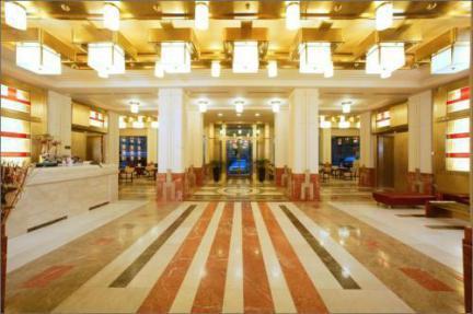 Vista do hall de entrada do Best Western Premier Majestic Plaza em Natal