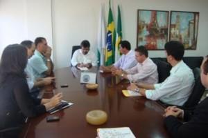 A comitiva formada por membros da gestão municipal expôs aos representantes da Federação a vontade em ampliar a atuação industrial de Guamaré.