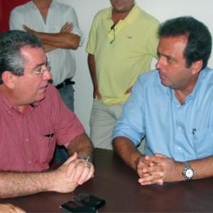 Carlos Eduardo (PDT) reunido com o ex-deputado, Wober Júnior (PPS)