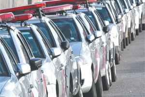 32 das 240 viaturas alugadas da PM estão paradas em Dix-Sept Rosado (zona oeste de Natal).
