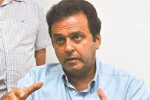 Carlos Eduardo vê conotações sensacionalistas na discussão sobre contas. Foto: Ana Amaral/DN/D.A Press