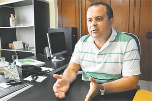Parlamentar não poupa crítica à administração de Micarla.