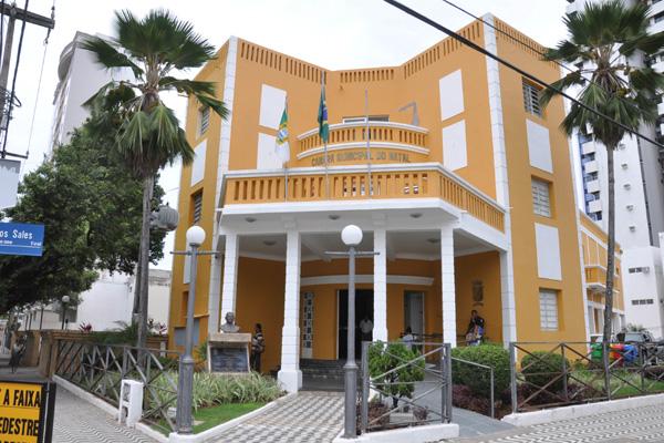 Atual sede da Câmara Municipal de Natal no bairro Tirol. (Foto: Adriano Abreu)