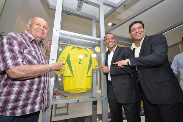 Pepe, Cafu e Márcio Santos comemoram a oportunidade de levar as peças pelas cidades do Brasil. (Foto: Magnus Nascimento)
