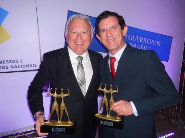 Prefeito Maurício Marques recebeu o prêmio na Costa do Sauípe. (Foto: divulgação)