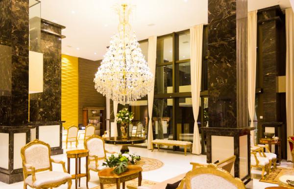 Hall de entrada do hotel Best Western Premier Majestic Natal. (Foto: Divulgação)