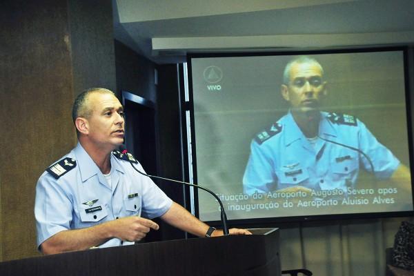 Comandante falou dos planos para utilizar o aeroporto Augusto Severo (Foto: Wellington Rocha)