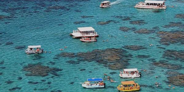 Recifes marinhos da Ponta de Pirangi, conhecidos como Parrachos de Pirangi. (Foto; companhiadanoticia.com.br)