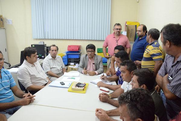Sintro e Seturn voltaram ontem à mesa de negociação na DRT. (Foto: Junior Santos)