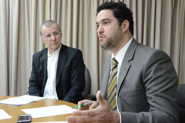 Nilson Queiroga e Augusto Valle apresentaram planilha pedindo valor entre R$ 2,56 e R$ 2,78. (Foto: Frankie Marcone)