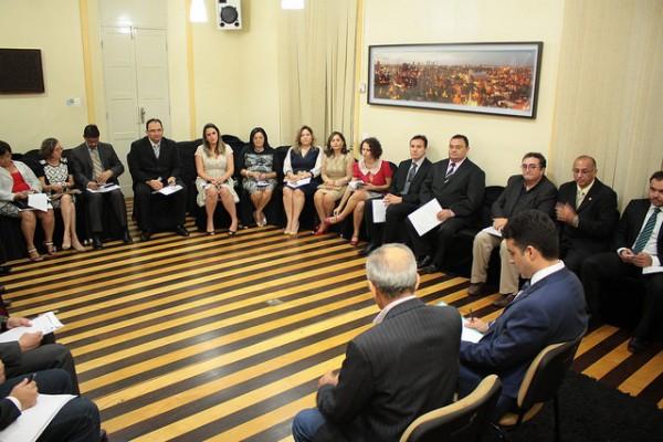 Novo secretariado foi empossado pelo prefeito na sede do Executivo (Foto: Divulgação/Prefeitura de Mossoró)