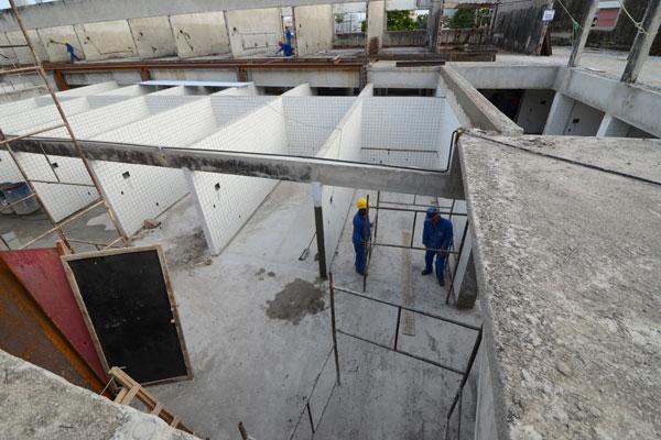 Estrutura do 'Mercado das Rocas', que tem investimento superior a R$ 3,6 milhões, terá 82 boxes. (Foto: Adriano Abreu)