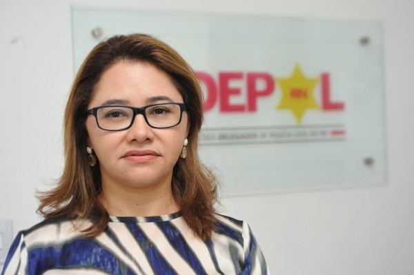 Ana Cláudia Saraiva comemorou a convocação de 122 policiais civis (Foto: Alberto Leandro)
