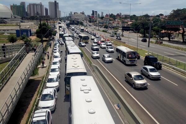 Protesto por segurança no transporte (Foto: Alberto Leandro)