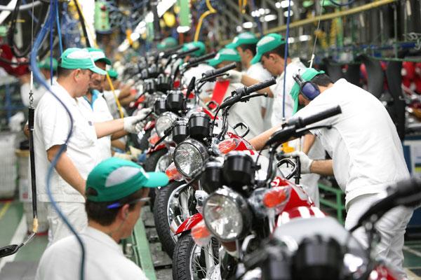 Fábrica de motocicletas da Honda, no Brasil: A empresa é uma das que estão com vagas abertas para seleção de trainees. (Foto: divulgação)
