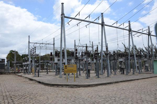 Parte da estrutura em usina termelétrica instalada em Macaíba: geração também cresce no NE. (Foto: Alberto Leandro)