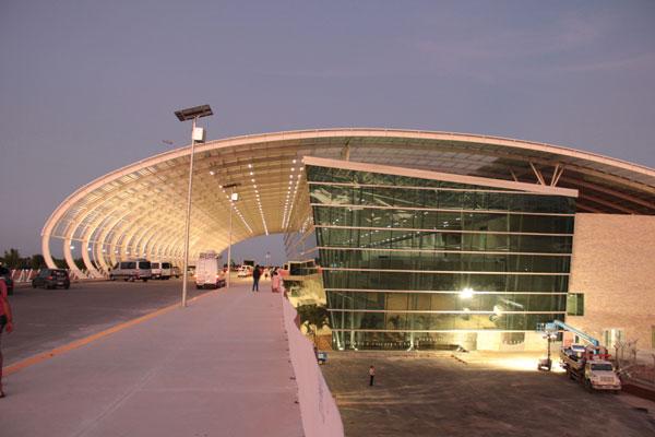 Aeroporto Governador Aluízio Alves: Fornecedores planejam fazer manifestação na terça-feira (30). (Foto: Rayane Maynara)