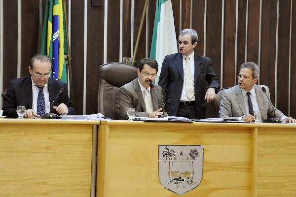 A mensagem do orçamento estadual foi lida no plenário da AL (Foto: Eduardo Maia/Divulgação)