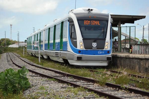 VLT está em fase de testes antes de passar a operar a linha Natal/Parnamirim (Foto: Alberto Leandro)