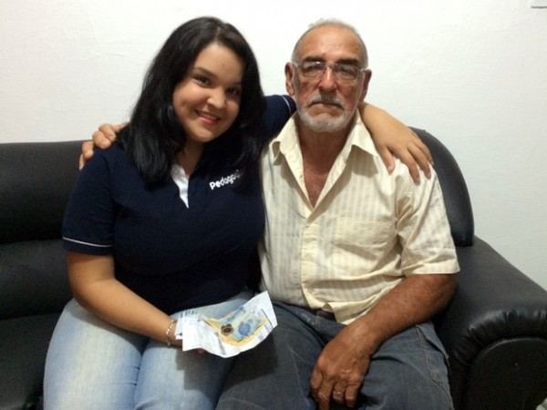 Thaísa e o pai Seu Fernando: exemplos vêm de casa (Foto: Felipe Gibson/G1)