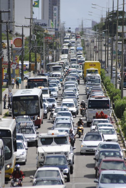Plano de mobilidade definirá ações para ordenar e melhorar o trânsito na cidade pelos próximos dez anos. (foto: Ney Douglas)