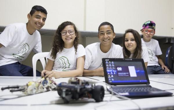 Oficinas de robótica conciliam reforço nas disciplinas escolares e motivação vocacional para a ciência. (Foto: Anastácia Vaz)