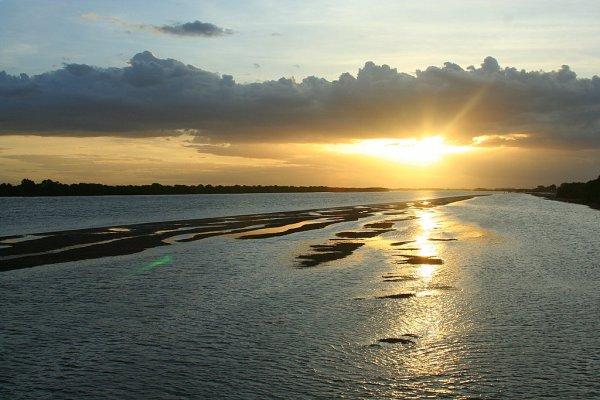 Segundo a Caern, rio Piranhas-Açu tem metade do volume d'água registrado para o período (Foto: pt.wikipedia.org)