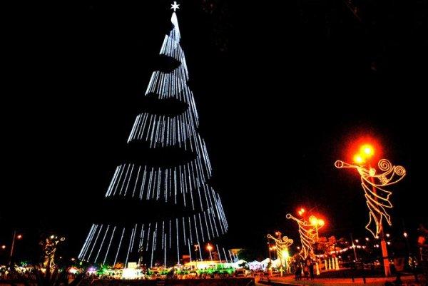 Programação acontece na praça da Árvore, em Mirassol. (foto: www.natalguia.com.br)