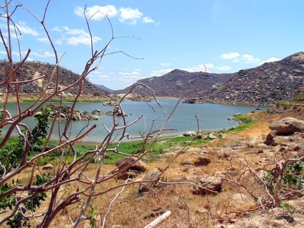 Rodízio de água em Acari deve ser intensificado (Foto: Fred Carvalho/G1)