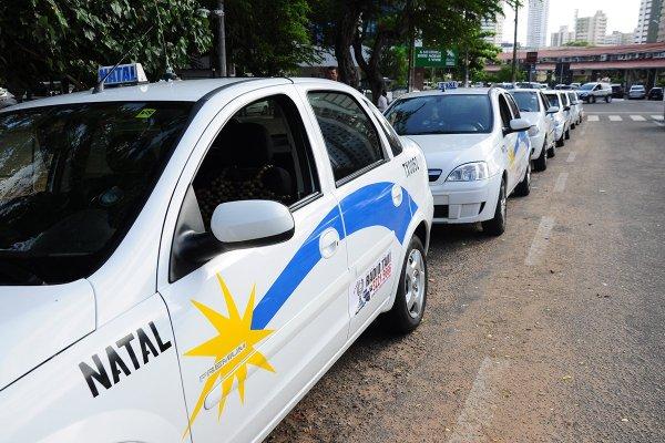 No mês de dezembro táxis circularão com bandeira 2 (Foto: Wellington Rocha)
