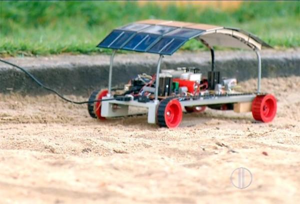 Meta é tirar o robô do laboratório e buscar parceiros que tenham interesse em investir na ideia (Foto: Reprodução/Inter TV Cabugi)