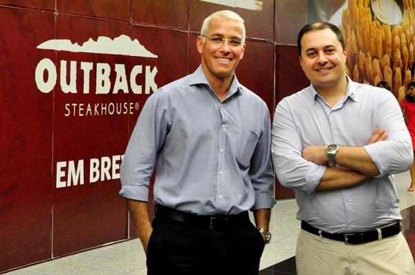 Gilnei Nocito e Paulo Meneses, sócios do Outback Steakhouse, pretendem implementar uma gestão inovadora no empreedimento. (Foto: Eduardo Maia)