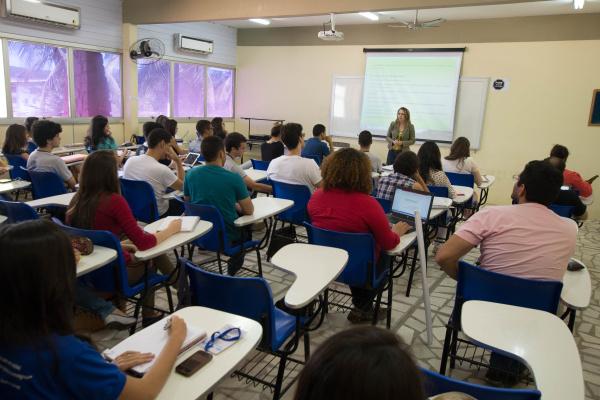 Disciplina discute com futuros pedagogos estratégias para promover uma convivência verdadeiramente humanizada em sala de aula. (Foto; Anastácia Vaz)