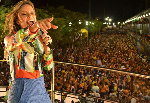 Cláudia Leitte traz sua energia nesta sexta> (Foto: revistaquem.globo.co)