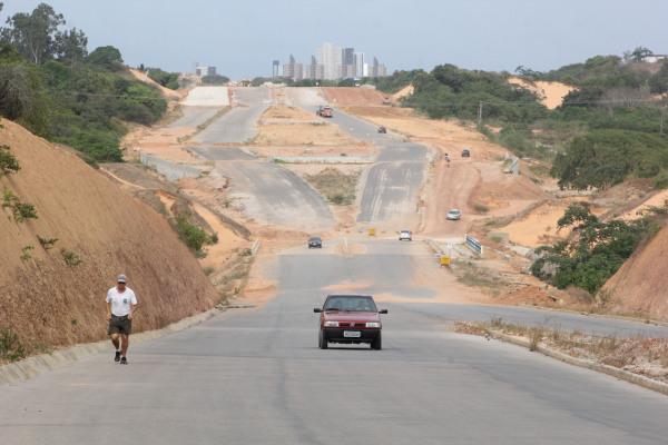 Obras do prolongamento da avenida Omar O'Grady ainda não foram concluídas. (Foto: www.unibusrn.com)