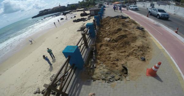 Crateras estão sendo cobertas por areia (Foto: Cláudio Abdon/Portal No Ar)