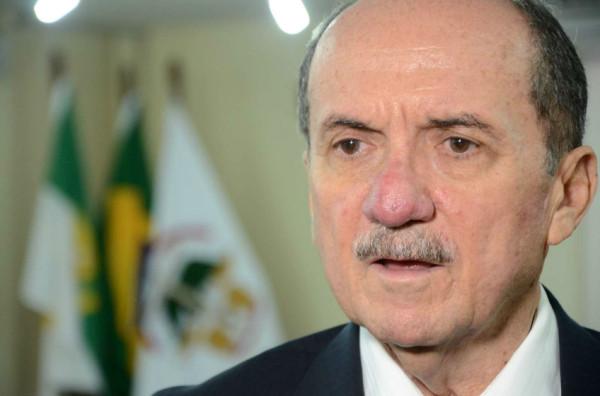 Claudio Santos promete enquadrar o TJRN nas normas da LRF. Servidores não concordaram com as medidas anunciadas. (Foto: Frankie Marcone)