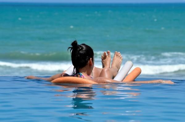 Estimativa é que, por dia, despesas de um casal para se divertir se aproximam dos R$ 600. (Foto: Ney Douglas)
