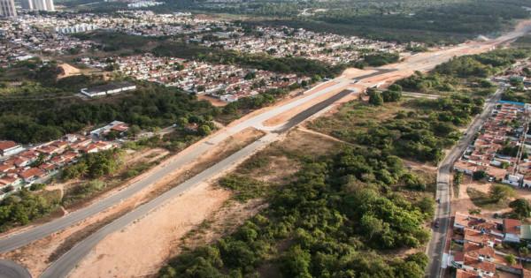 Obra do prolongamento da avenida Omar O'grady, em 2013. (Foto: Wikipedia)