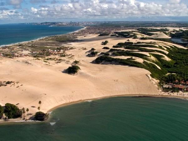 A praia de Jenipabu e suas famosas dunas móveis (Foto: Canindé Soares)