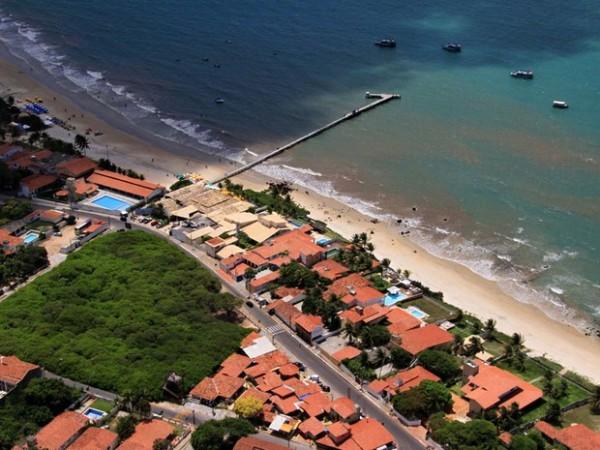 Praia de Pirangi, com destaque para o maior cajueiro do mundo (Foto: Canindé Soares)