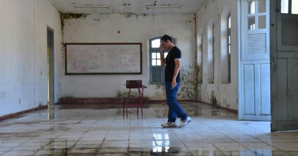 Casa do Estudante vive em situação de abandono. (Foto: Rádio Top)