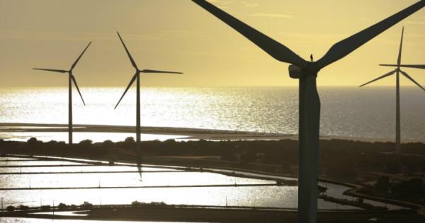Turbinas eólicas instaladas no parque eólico de Guamaré, Rio Grande do Norte. | GE.com | Brasil
