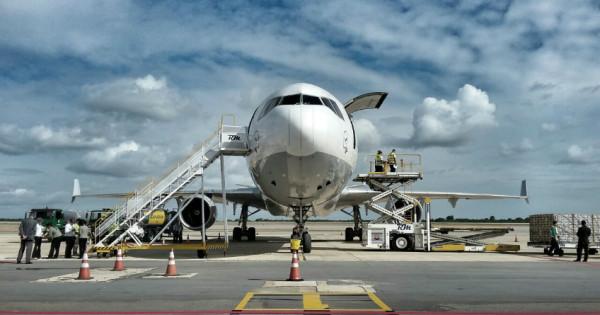 Aeronave tem capacidade para até 88 toneladas e passará a vir ao RN todo domingo (Foto: Ney Douglas)